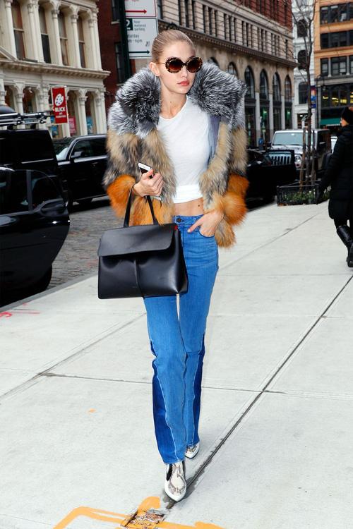 Mặt đẹp dáng chuẩn, Gigi Hadid mỗi khi bước xuống phố đều long lanh như chụp ảnh tạp chí - Ảnh 22.
