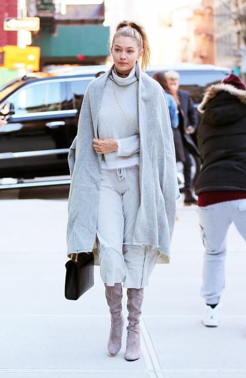 Mặt đẹp dáng chuẩn, Gigi Hadid mỗi khi bước xuống phố đều long lanh như chụp ảnh tạp chí - Ảnh 20.