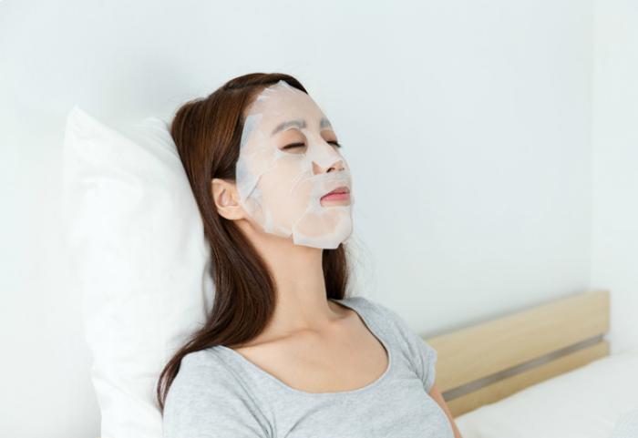 2 lỗi to đùng mà nàng nào cũng mắc phải, khiến cho việc đắp lotion mask chả đem lại hiệu quả gì - Ảnh 2.