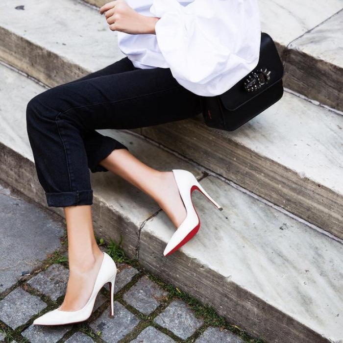 Lý do những đôi giày cao gót Christian Louboutin trứ danh lại có đế màu đỏ độc nhất vô nhị - Ảnh 1.