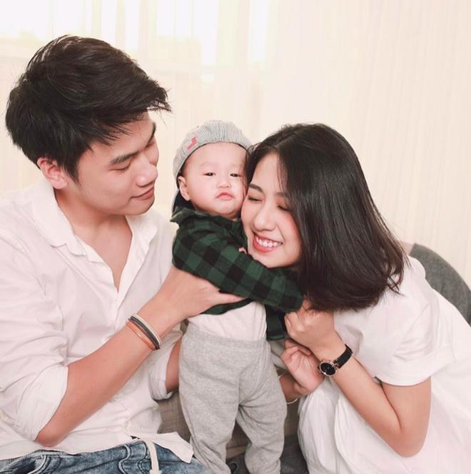 Còn gì dễ thương bằng khoảnh khắc 3 cặp ông bố - bà mẹ bỉm sữa nổi tiếng nhất MXH gặp nhau!