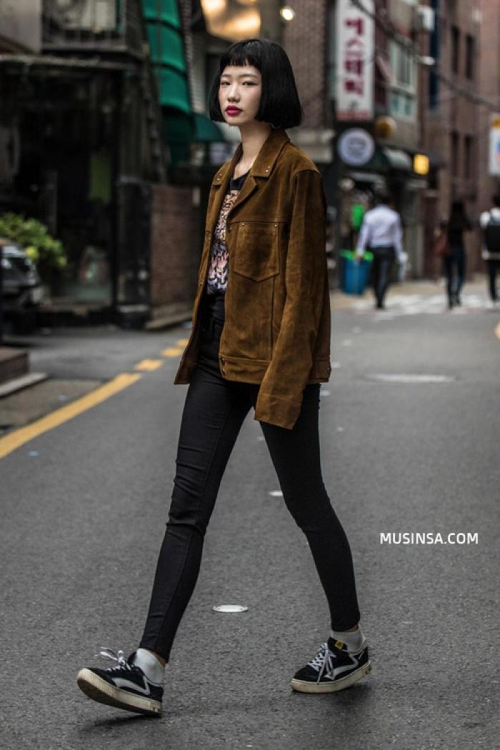 Nhìn giới trẻ Hàn ồ ạt diện sweatshirt đẹp thế này sẽ khiến bạn mong trời lạnh thật nhanh