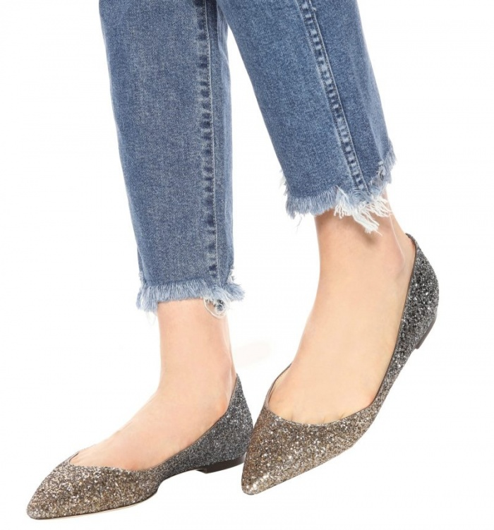 Không cô nàng có thể cưỡng lại vẻ ngoài lấp lánh, lung linh của mẫu giày này