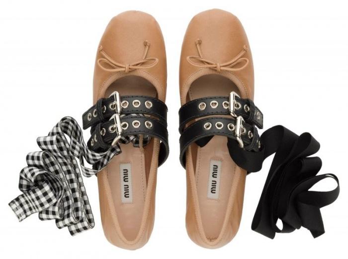 Cận cảnh thiết kế giày búp bê nữ rực rỡ của Miu Miu