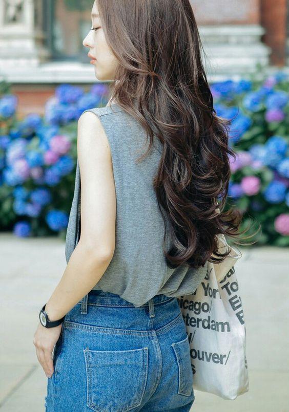 Những mẹo nhỏ cực hay ho cho các nàng tóc xoăn luôn bồng bềnh