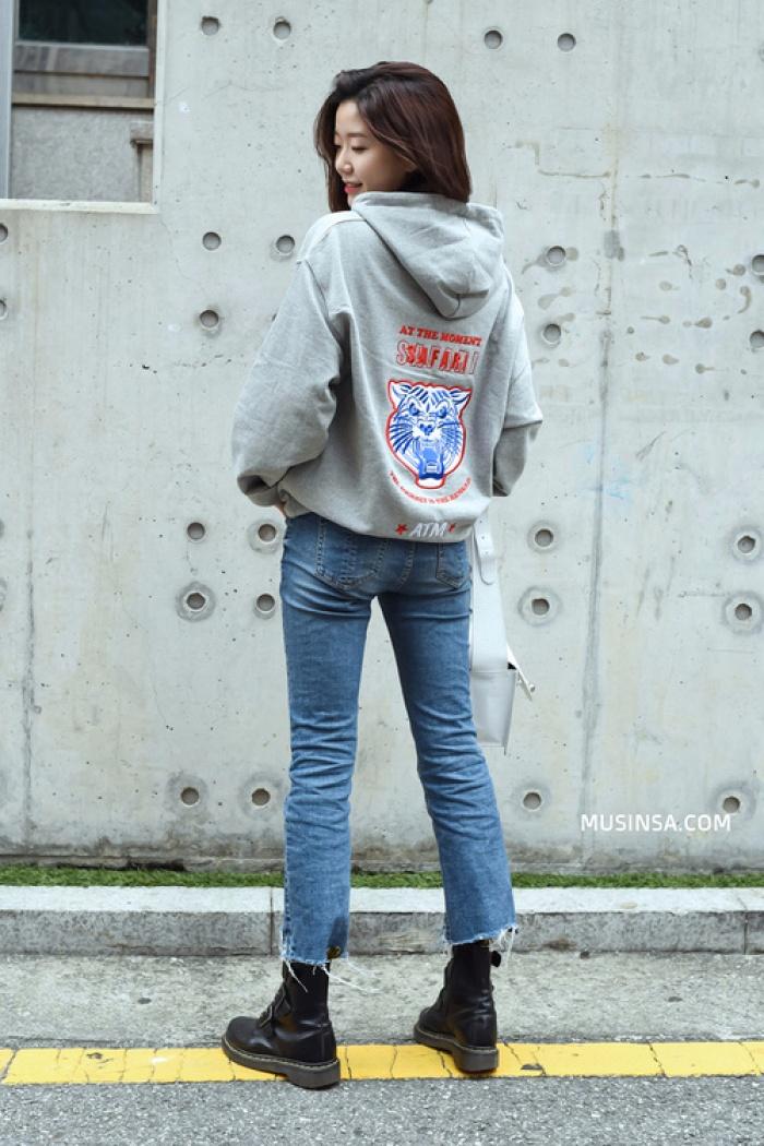 Giới trẻ Hàn Quốc lại mang đến cả tá gợi ý mặc đẹp mà chẳng cần cầu kỳ qua street style mãn nhãn - Ảnh 2.