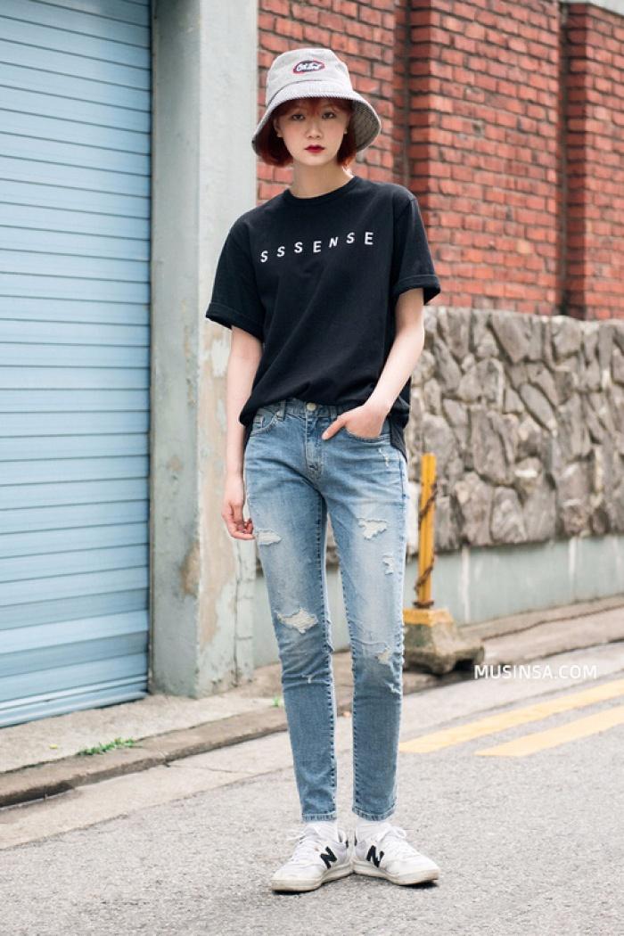 Giới trẻ Hàn Quốc lại mang đến cả tá gợi ý mặc đẹp mà chẳng cần cầu kỳ qua street style mãn nhãn - Ảnh 1.