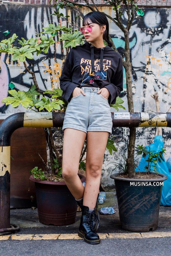 Giới trẻ Hàn Quốc lại mang đến cả tá gợi ý mặc đẹp mà chẳng cần cầu kỳ qua street style mãn nhãn - Ảnh 3.