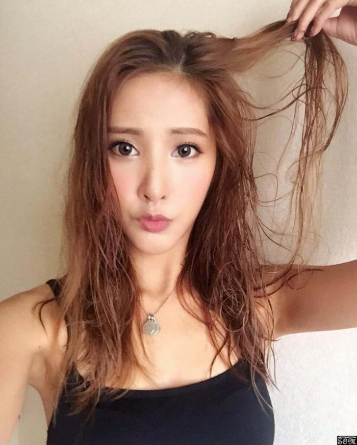 Gội đầu bằng micellar water: giải pháp mới dành cho những cô nàng có mái tóc yếu, tóc nhuộmGội đầu bằng micellar water: giải pháp mới dành cho những cô nàng có mái tóc yếu, tóc nhuộm - Ảnh 3.