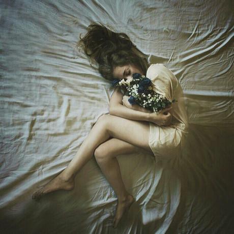 8 điều phụ nữ khôn ngoan nhất định không làm vì đàn ông để cả đời không phải rơi nước mắt
