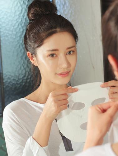 Lý do 'người người nhà nhà' đều nghiện đắp mặt nạ giấy làm đẹply-do-nguoi-nguoi-nha-nha-deu-nghien-dap-mat-na-giay-lam-dep-1