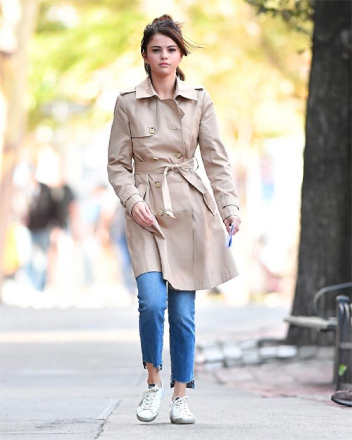 Selena Gomez thuê nhà sống cùng bạn trai