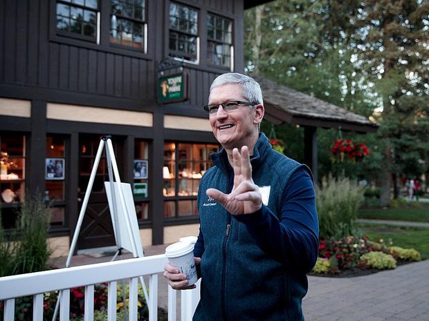 Săm soi một ngày của Tim Cook, người đàn ông quyền lực đứng đằng sau chiếc iPhone X giá nghìn USD - Ảnh 1.