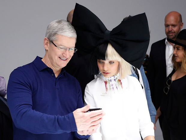 Săm soi một ngày của Tim Cook, người đàn ông quyền lực đứng đằng sau chiếc iPhone X giá nghìn USD - Ảnh 3.