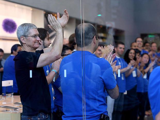 Săm soi một ngày của Tim Cook, người đàn ông quyền lực đứng đằng sau chiếc iPhone X giá nghìn USD - Ảnh 15.