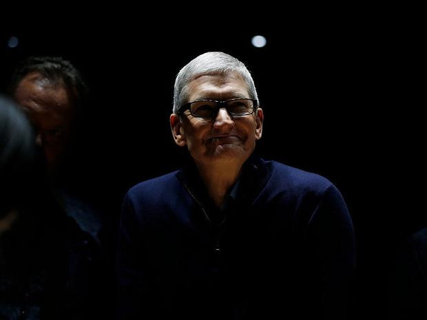 Săm soi một ngày của Tim Cook, người đàn ông quyền lực đứng đằng sau chiếc iPhone X giá nghìn USD - Ảnh 23.