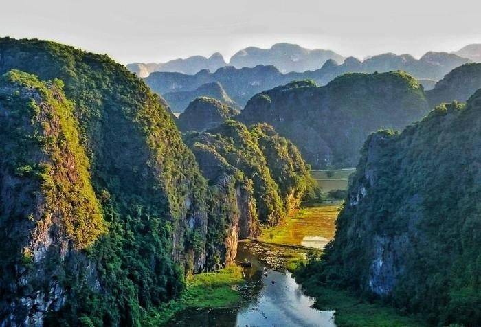 """Ở Việt Nam mà check-in những điểm này nói """"đi Âu đi Á"""" ai cũng tin"""