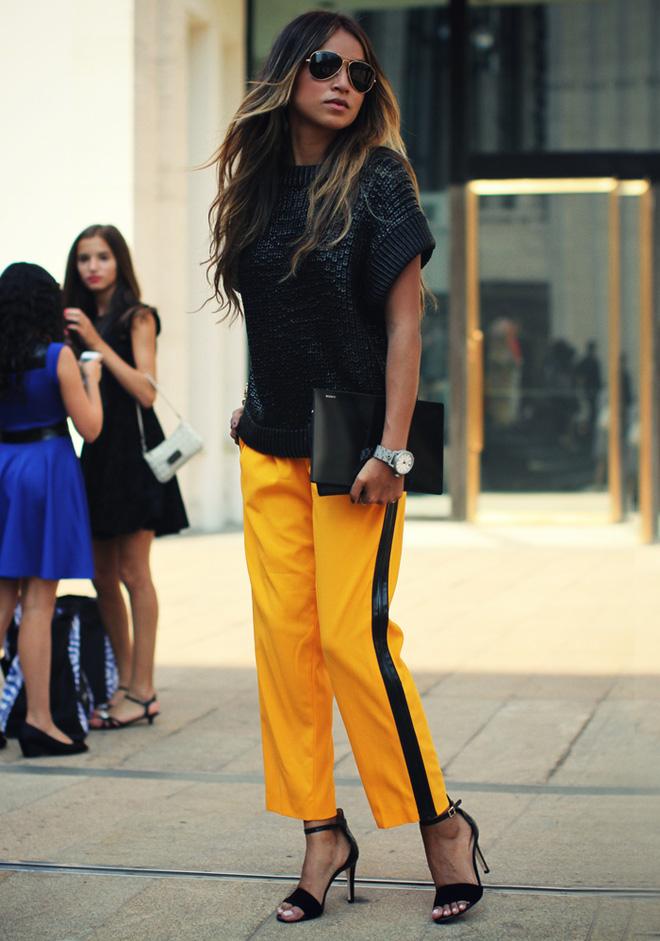 Thu/Đông này, quần thể thao kẻ sọc thân chắc chắn sẽ soán ngôi tất thảy các kiểu quần dài khác - Ảnh 23.