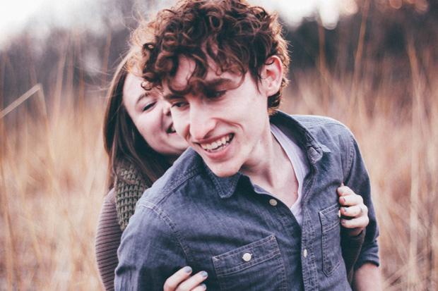 Là bởi có tình yêu nên chúng ta không cần phải ôm những nỗi buồn cô độc nữa - Ảnh 1.