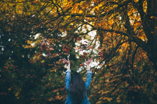 Thay vì khóc lóc và rầu rĩ hậu chia tay, hãy tự nhủ với bản thân 10 điều giúp bạn yêu đời hơn - Ảnh 3.