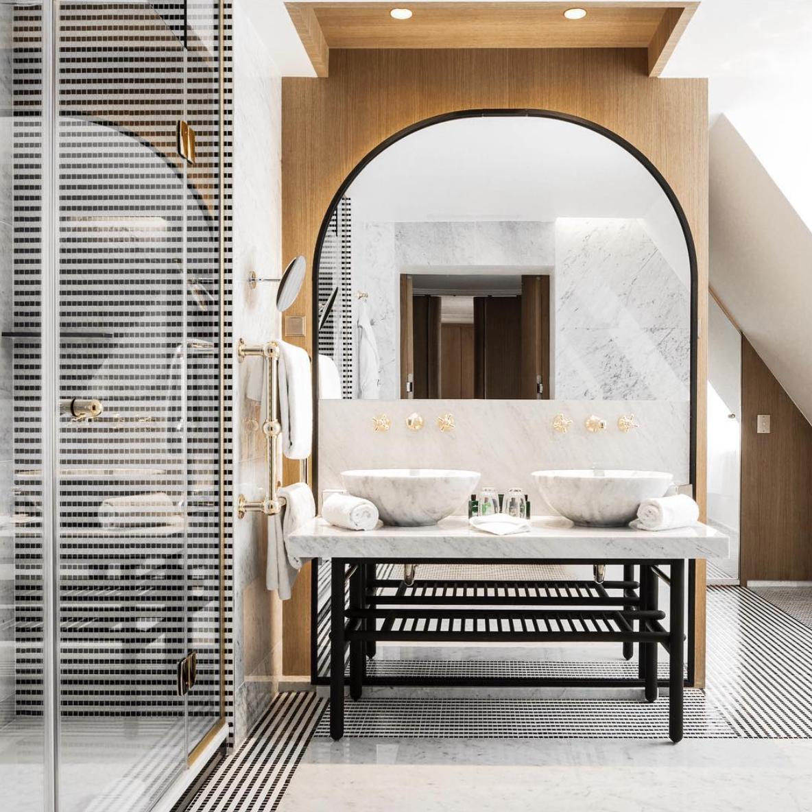 Nghỉ dưỡng sang chảnh với top 8 khách sạn đẹp nhất Paris
