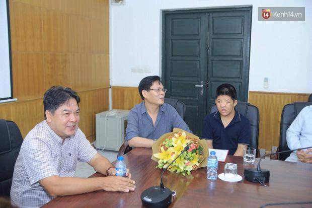 Bôm chính thức nhận học bổng 2 năm từ Học viện Âm nhạc Quốc gia Việt Nam - Ảnh 1.