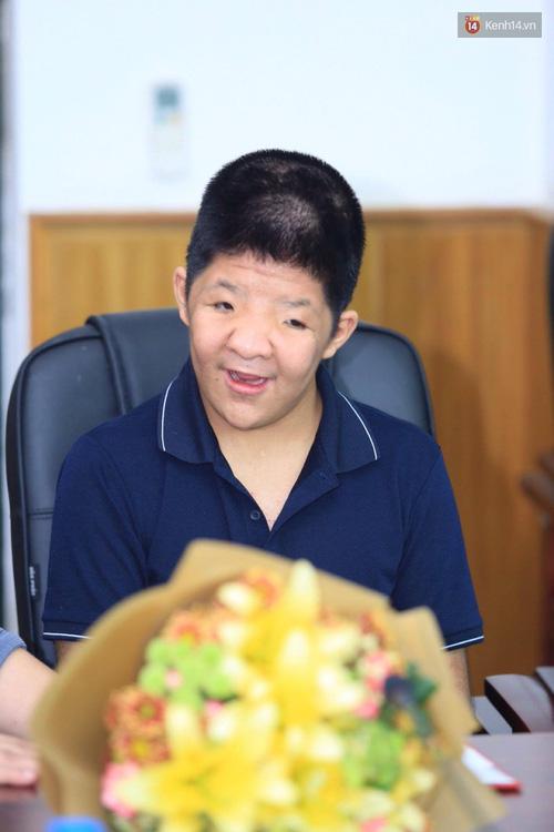Bôm chính thức nhận học bổng 2 năm từ Học viện Âm nhạc Quốc gia Việt Nam