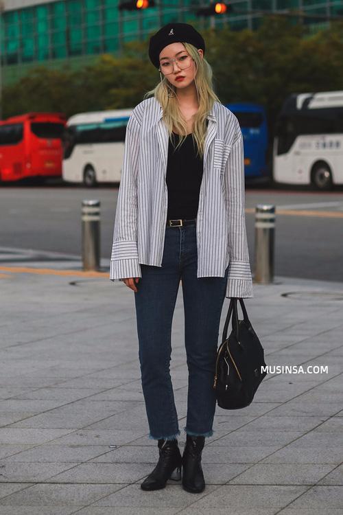 """Chỉ với sơ mi, áo phông và vài items đơn giản, giới trẻ Hàn đã """"hô biến"""" nên toàn những set đồ đẹp hết nấc"""