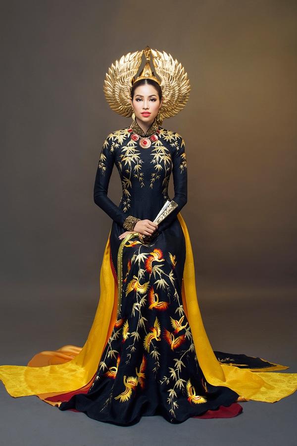 Ngắm trang phục truyền thống Việt Nam trên đấu trường sắc đẹp quốc tế