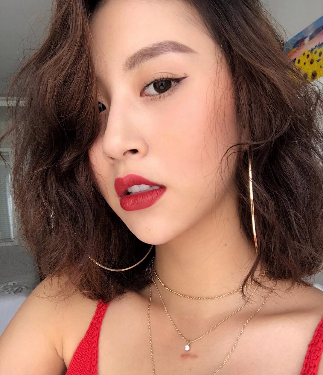 Nhỏ xinh nhưng lợi hại, đây là món phụ kiện nâng tầm nhan sắc và phong cách đang được các hot girl Việt diện hoài không chán - Ảnh 4.