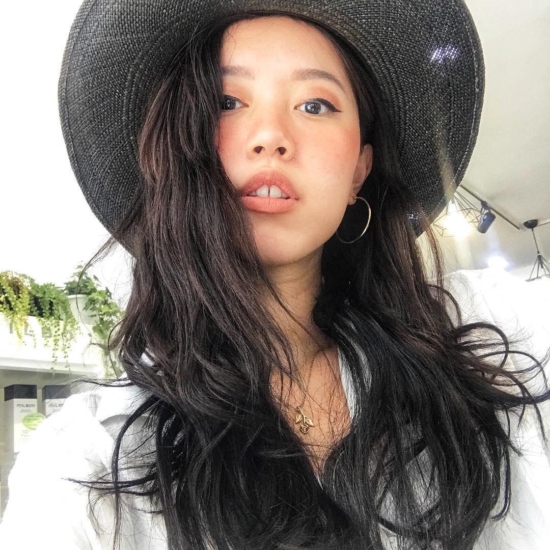 Nhỏ xinh nhưng lợi hại, đây là món phụ kiện nâng tầm nhan sắc và phong cách đang được các hot girl Việt diện hoài không chán - Ảnh 12.