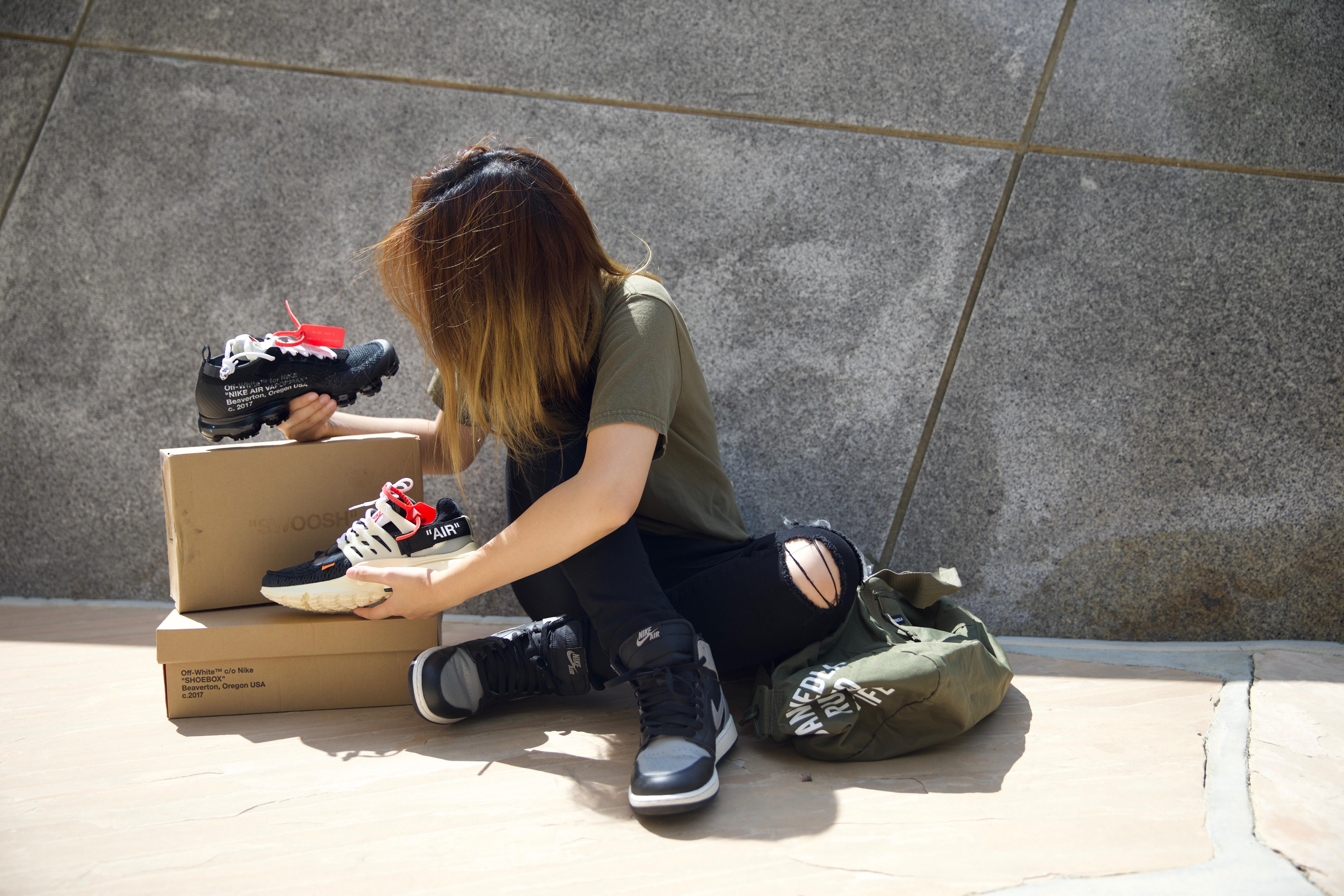 Clip: Jillian Nguyễn, đầu giày xinh đẹp vừa sở hữu gia tài sneakers đáng nể vừa có tài custom giày cực đỉnh - Ảnh 10.