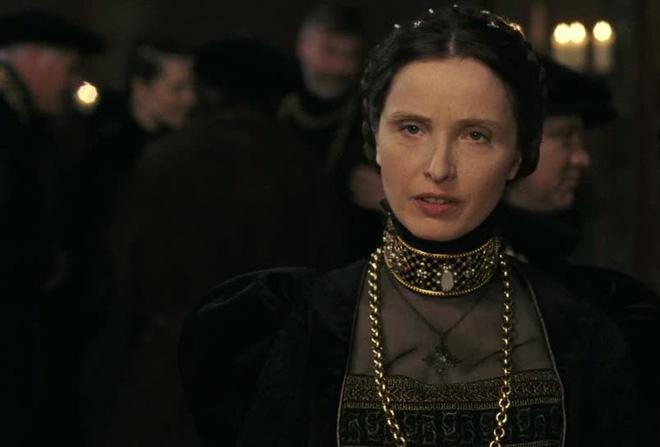 Nữ quỷ hút máu xinh đẹp nhất châu Âu và chuyện giữ gìn tuổi xuân bằng phương pháp rùng rợn - Ảnh 7.