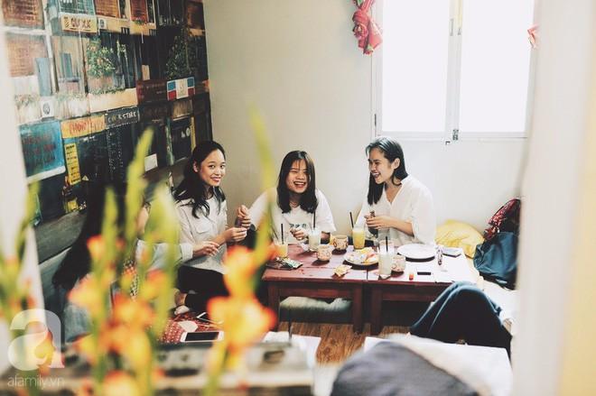 Có một quán cafe trong khu tập thể cũ, khiến ta yêu hơn những ngày Hà Nội thật là thu - Ảnh 20.