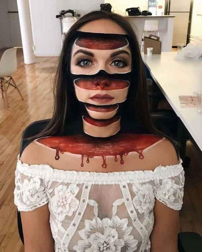 Halloween vừa qua mà mang khuôn mặt này ra đường thì quả là... khó tả.
