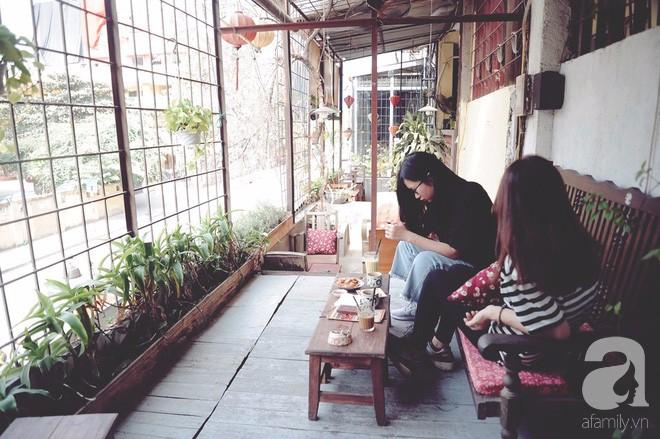 Có một quán cafe trong khu tập thể cũ, khiến ta yêu hơn những ngày Hà Nội thật là thu - Ảnh 8.