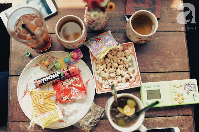 Có một quán cafe trong khu tập thể cũ, khiến ta yêu hơn những ngày Hà Nội thật là thu - Ảnh 10.
