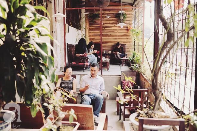 Có một quán cafe trong khu tập thể cũ, khiến ta yêu hơn những ngày Hà Nội thật là thu - Ảnh 6.