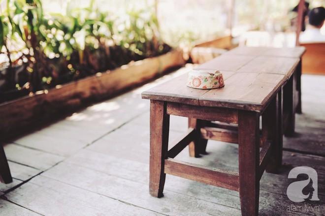 Có một quán cafe trong khu tập thể cũ, khiến ta yêu hơn những ngày Hà Nội thật là thu - Ảnh 12.
