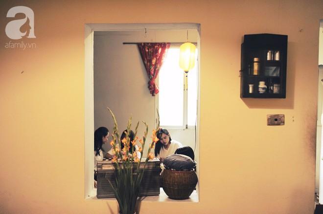 Có một quán cafe trong khu tập thể cũ, khiến ta yêu hơn những ngày Hà Nội thật là thu - Ảnh 19.