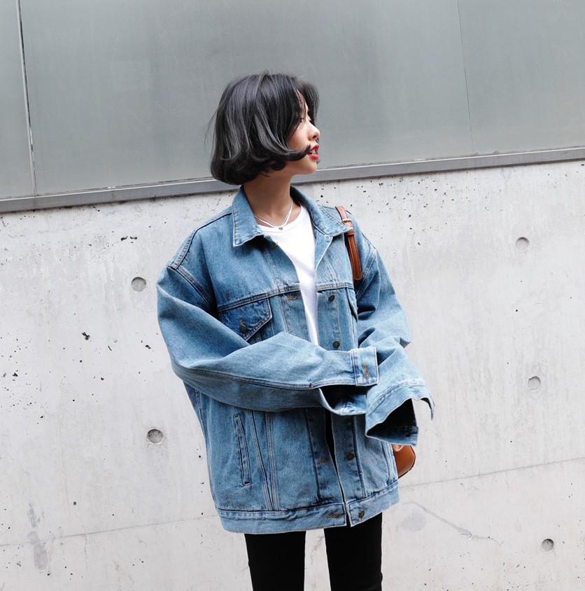 Trời se lạnh, không diện denim jacket dáng rộng thì mùa thu của bạn đã bớt thi vị đi mấy phần rồi