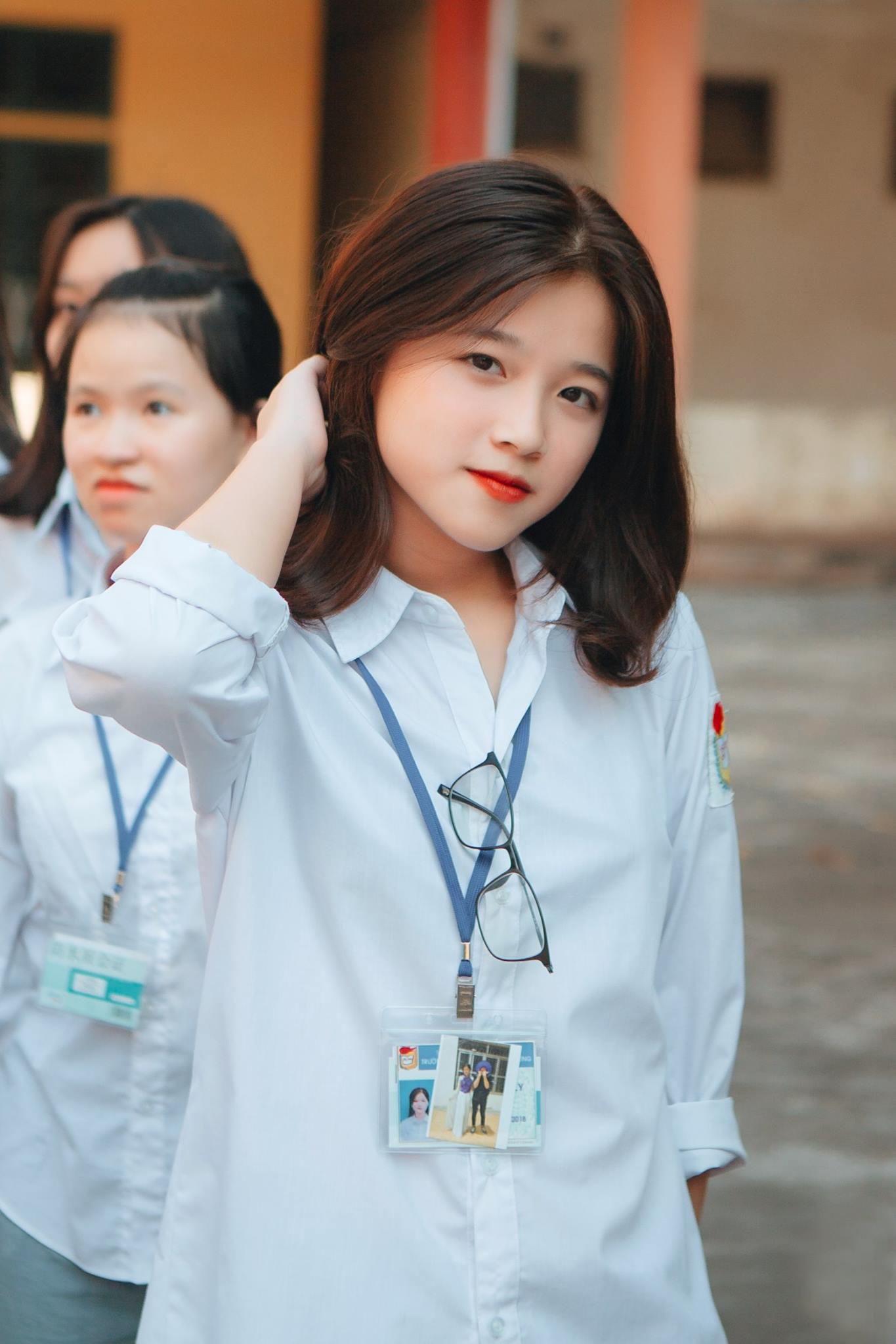 10x Phú Thọ xinh xắn, bất ngờ nổi tiếng vì có gương mặt giống Linh Ka - Ảnh 3.