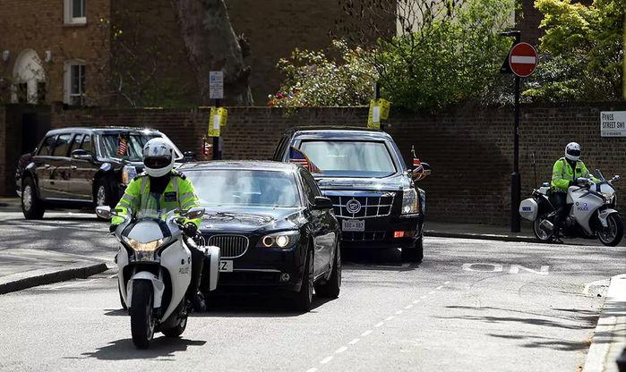 BMW 7 Series làm xe dẫn đường.