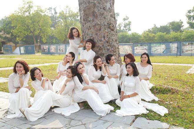 Bộ ảnh kỷ niệm 20 năm hội bạn thân Hà Nội sẽ khiến ta thầm mong một tình bạn như thế - Ảnh 28.