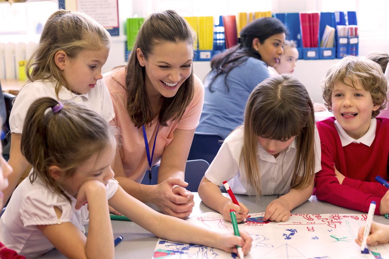 8 câu chuyện cảm động về thầy cô giáo để chúng ta chợt nhận ra: Một lời cảm ơn là chưa bao giờ đủ! - Ảnh 5.