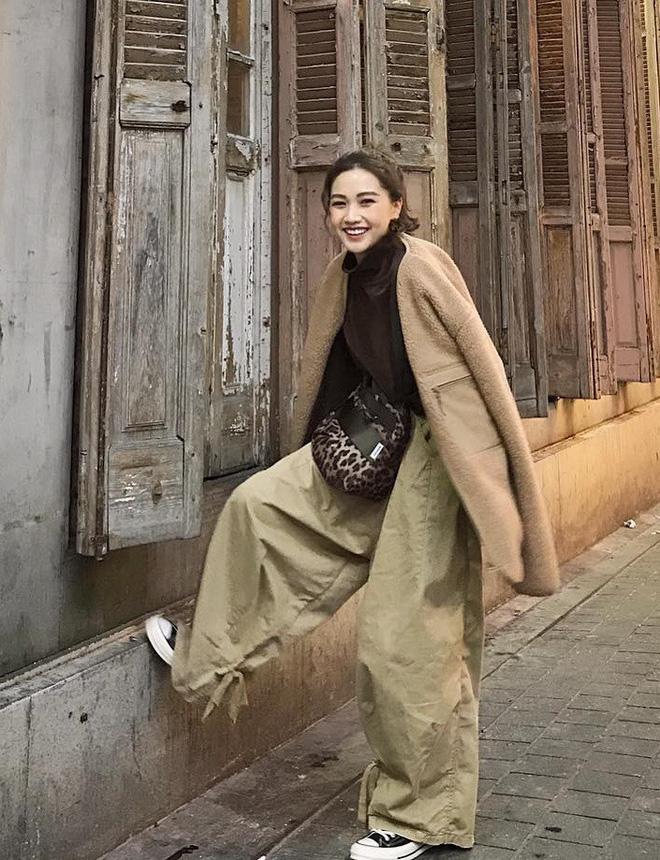 Áo khoác dài + quần ống rộng: Combo mặc kiểu gì cũng đẹp cho mùa đông năm nay - Ảnh 9.
