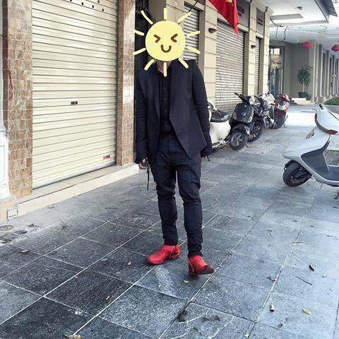 Chất lừ với phong cách dark wear trên giảng đường, thầy giáo 9X nhận bão like từ cư dân mạng - Ảnh 1.
