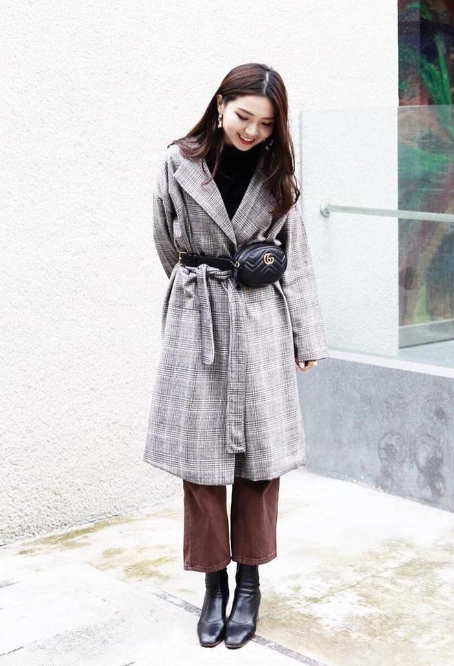 Áo khoác dài + quần ống rộng: Combo mặc kiểu gì cũng đẹp cho mùa đông năm nay - Ảnh 13.