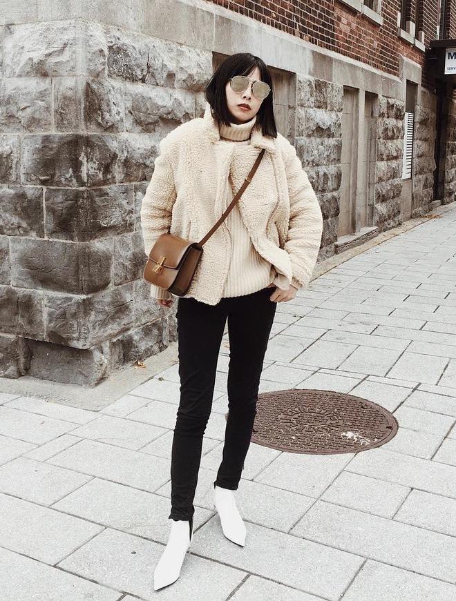 Cứ mùa lạnh đến là 7 mẫu áo khoác ấm áp này lại được các cô nàng thi nhau chưng diện - Ảnh 22.