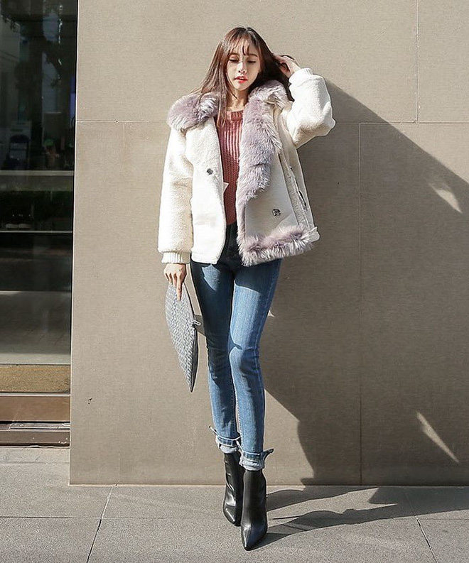 Cứ mùa lạnh đến là 7 mẫu áo khoác ấm áp này lại được các cô nàng thi nhau chưng diện - Ảnh 24.